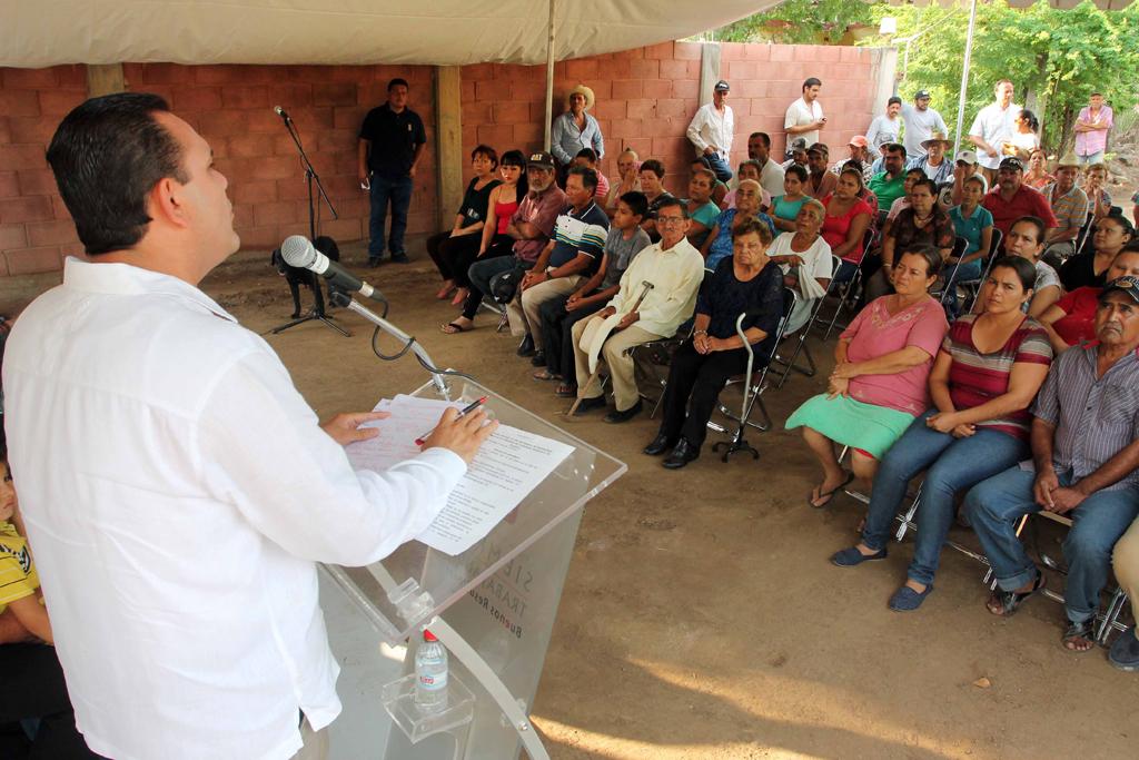 NOTICIAS_2015_BANDERAZO_DE_INICIO_DE_RED_DE_ALCANTARILLADO_EN_CARBONERAS_06