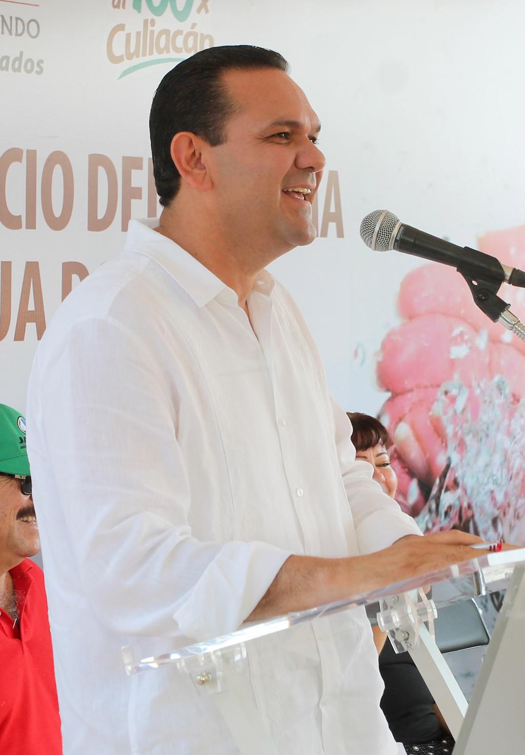 NOTICIAS_2015_BANDERAZO_DE_RED_DE_AGUA_POTABLE_EN_LA_COL_16_DE_DIC_01
