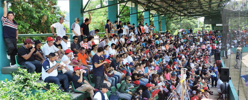 NOTICIAS_2015_LOS_PADRES_BICAMPEONES_03