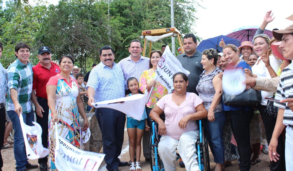 Noticias_2015_El_gobierno_municipal_lleva_agua_y_alcantarillado_a_95_familias_de_la_sindicatura_de_Costa_Rica_06