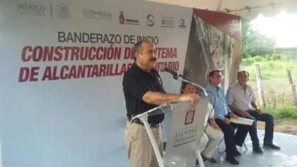 Noticias_2015_Mas_culiacanenses_gozaran_de_agua_potable_y_alcantarillado_01