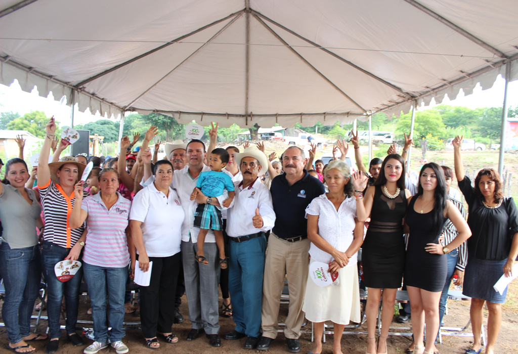 Pobladores_de_la_apartada_comunidad_de_San_Cayetano_contaran_con_agua_potable_02