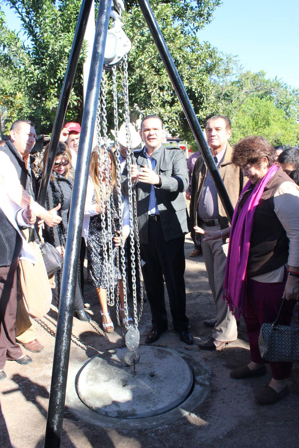 Noticias-2016-Agua-y-drenaje-para-las-comunidades-mas-apartadas-de-Culiacan-06