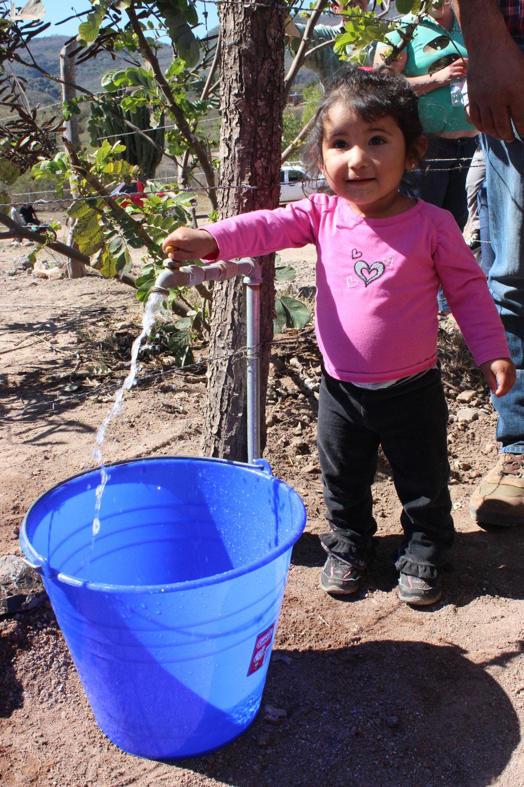 Noticias-2016-Agua-y-drenaje-para-las-comunidades-mas-apartadas-de-Culiacan-10