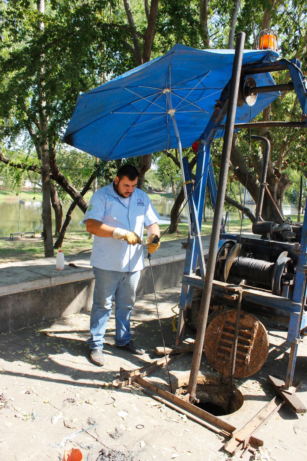 Noticias-2016-JAPAC-realiza-trabajos-de-limpieza-de-red-de-alcantarillado-04