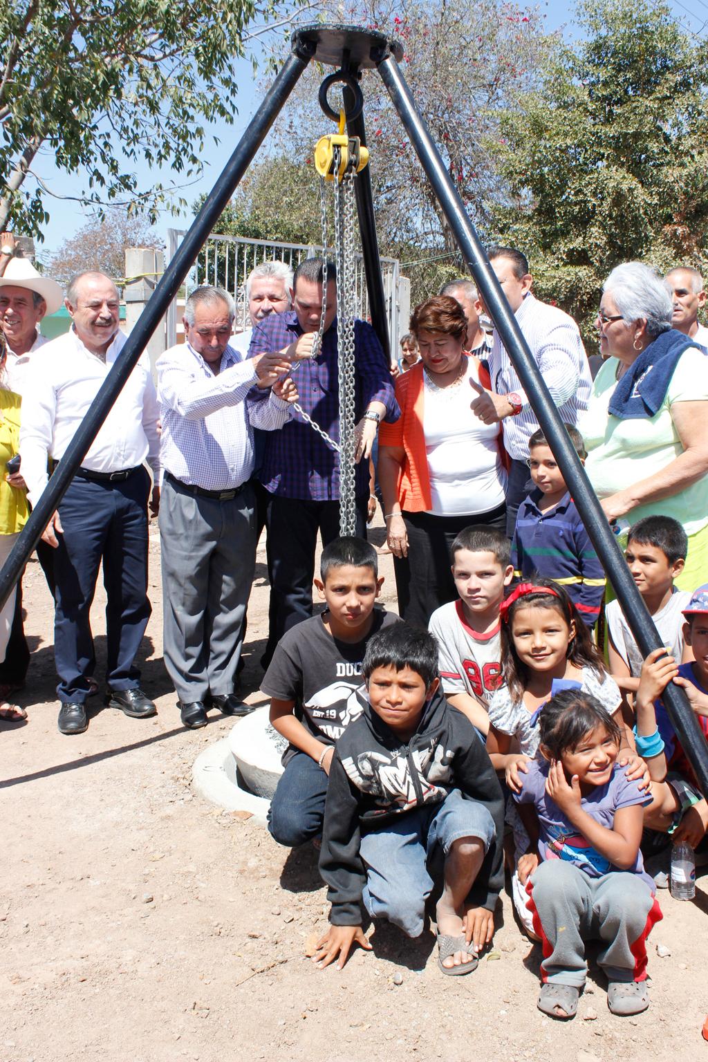 Noticias-2016-Mas-alcantarillado-sanitario-a-comunidades-de-Culiacan-03