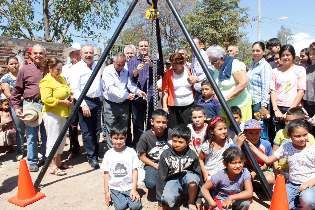 Noticias-2016-Mas-alcantarillado-sanitario-a-comunidades-de-Culiacan-04
