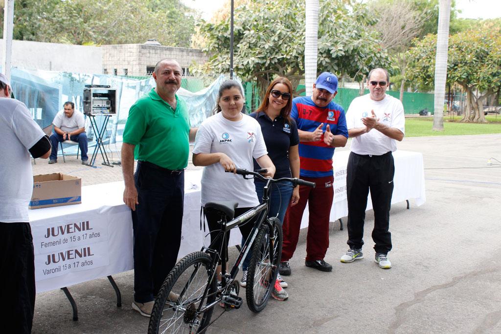 Noticias-2016-Con-caminata-inician-los-festejos-del-Sindicato-de-JAPAC-03