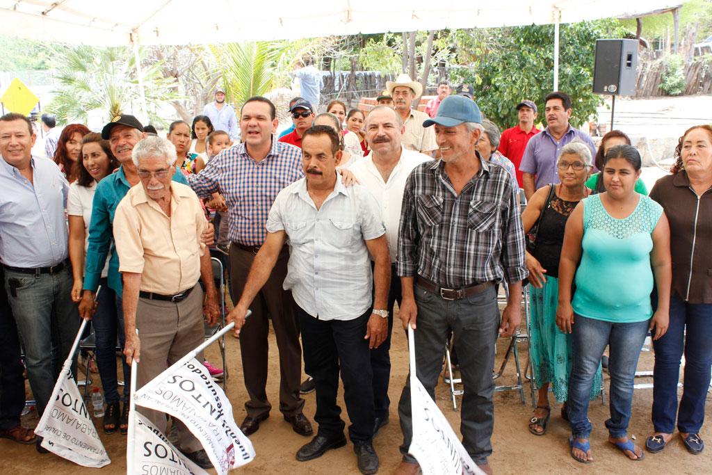 Noticias-2016-La-comunidad-de-San-Antonio-gozara-de-agua-potable-01