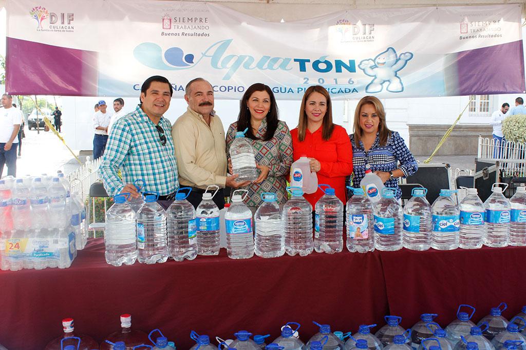 Noticias-2016-JAPAC-aporta-6-mil-230-litros-de-agua-al-Aquaton-2016-03