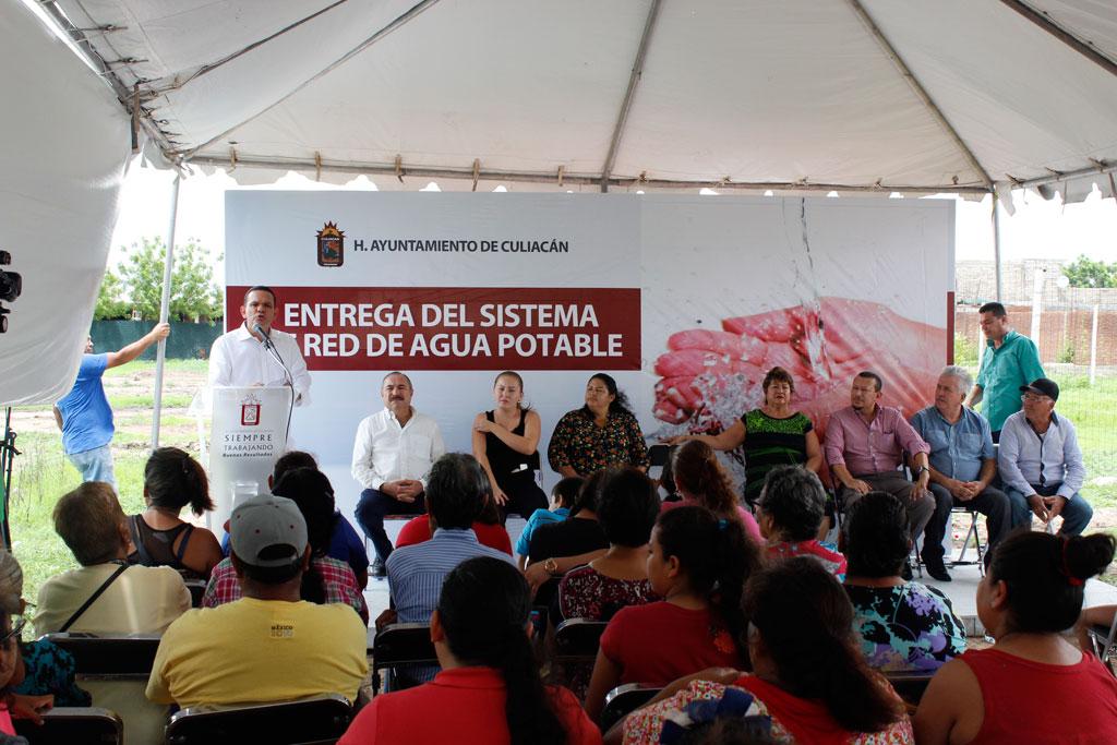 Noticias-2016-Vecinos-de-El-Diez-gozan-ya-de-agua-potable-03