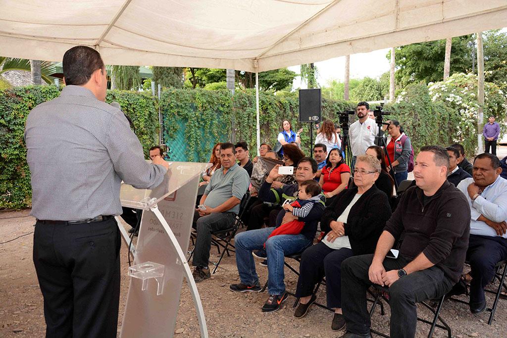 noticias-2016-inauguracion-de-red-de-agua-potable-y-alcantarillado-en-la-col-bosques-del-humaya-7