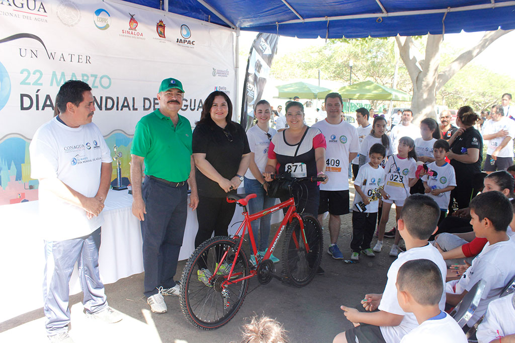Noticias-2017-Mas-de-750-personas-se-unen-al-cuidado-del-agua-03