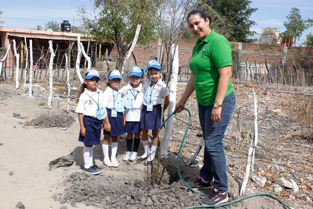 Noticias-2017-Pequenos-de-El-Carrizalejo-se-suman-al-cuidado-del-medio-ambiente-04