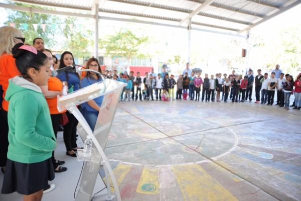 NOTICIAS-2017-INAUGURACION-SISTEMA-AGUA-POTABLE-ESC-PRIM-COSTA-RICA-04