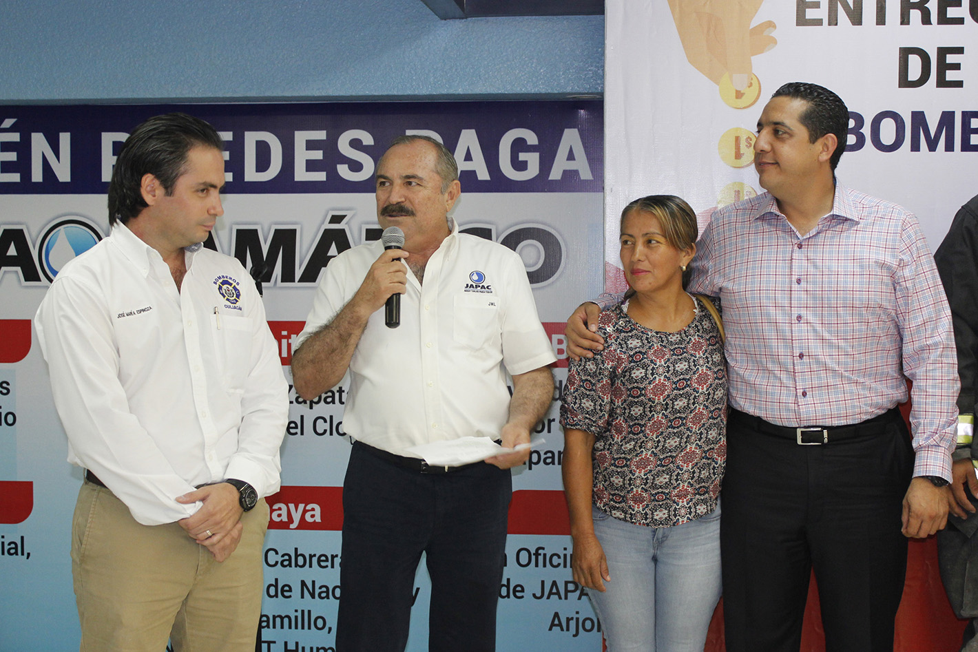 JAPAC-NOTICIAS-bomberos-recibe-aportacion-ciudadana-04