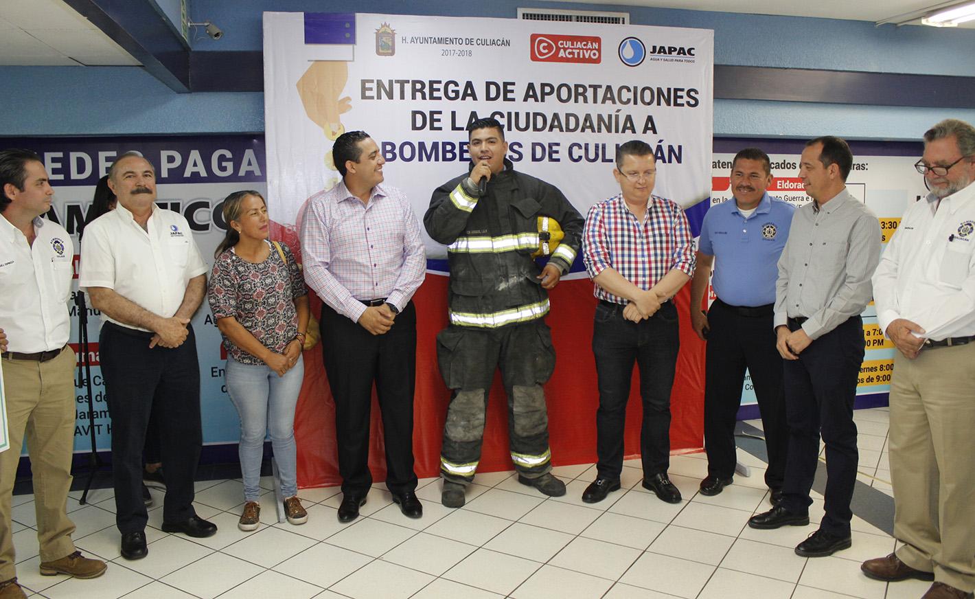 JAPAC-NOTICIAS-bomberos-recibe-aportacion-ciudadana-05
