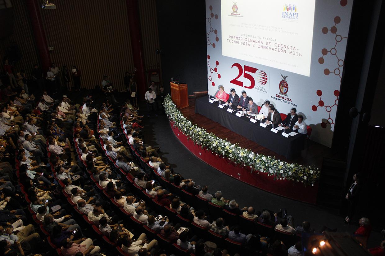 JAPAC-NOTICIAS-recibe-japac-premio-sinaloa-de-ciencia-tecnologia-e-innovacion-2016-04