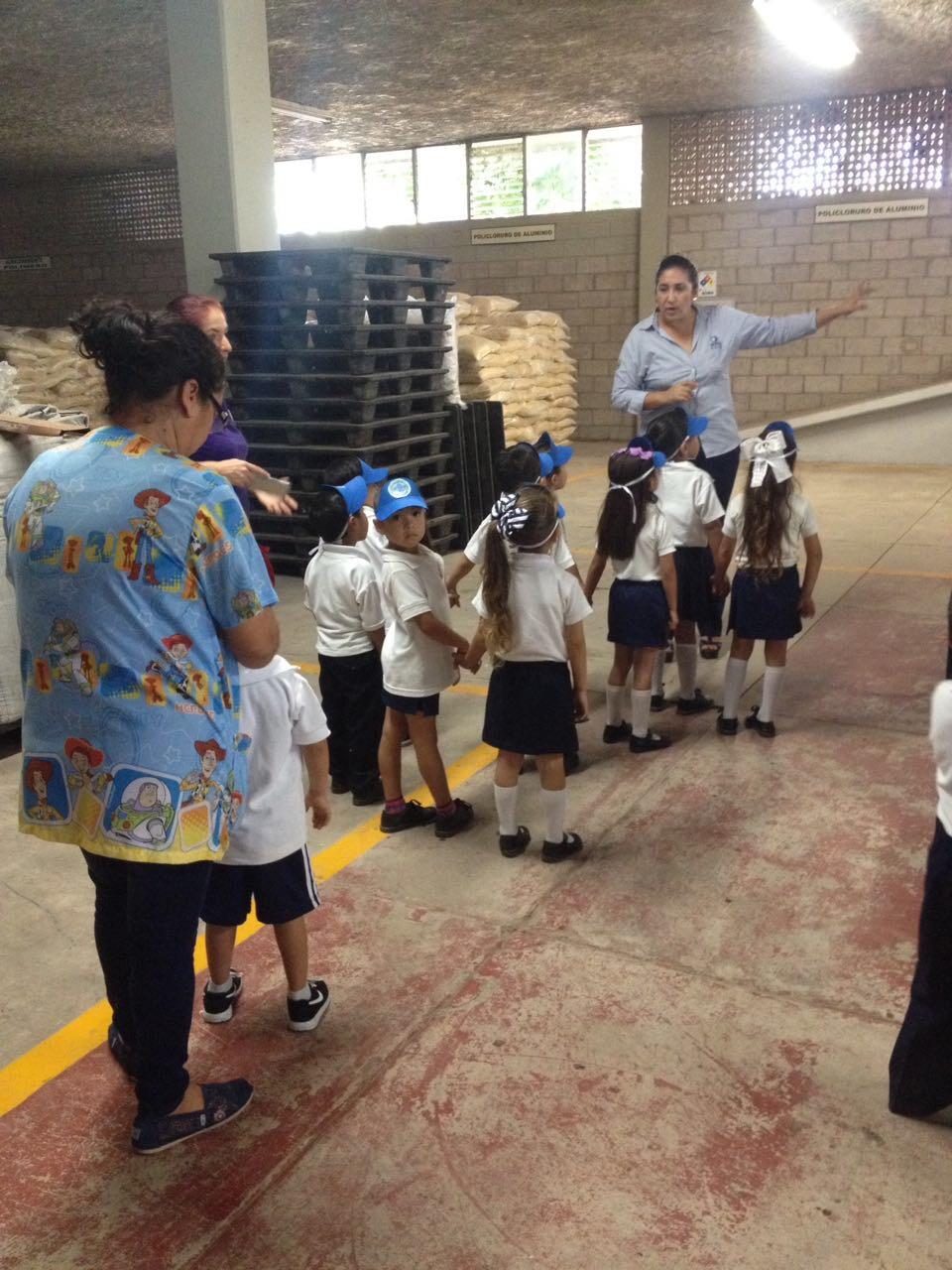 JAPAC-NOTICIAS-aprenden-estudiantes-proceso-de-potabilizacion-02