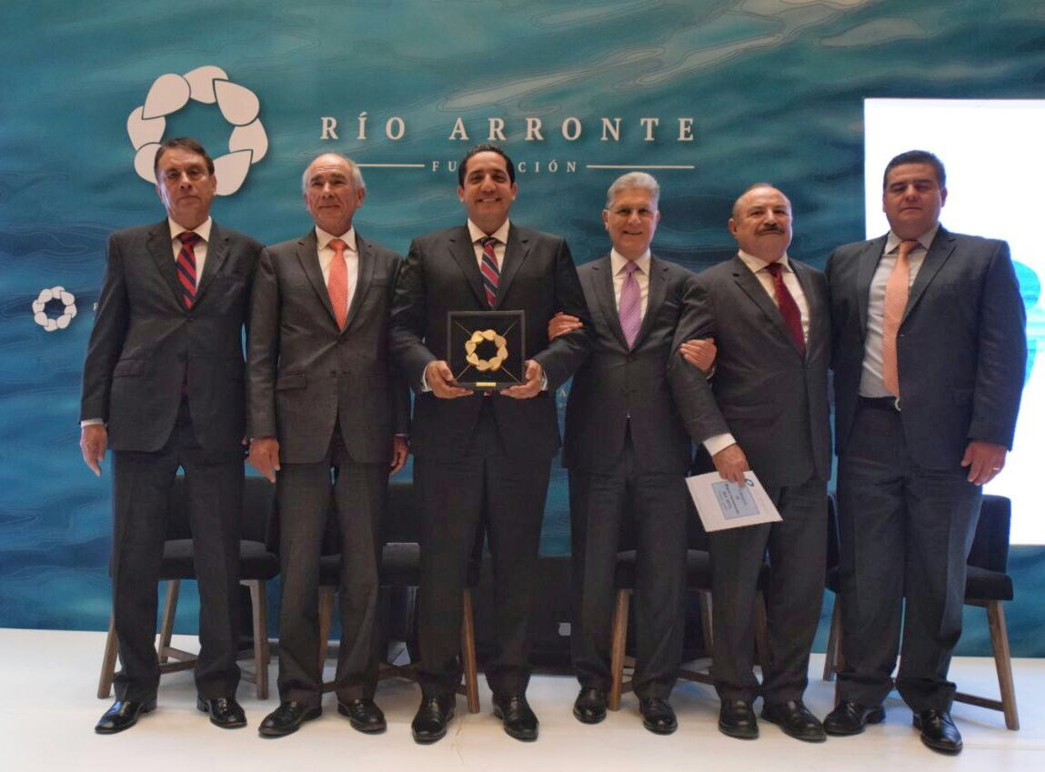 Recibe el Presidente Municipal Reconocimiento Gonzalo Río Arronte