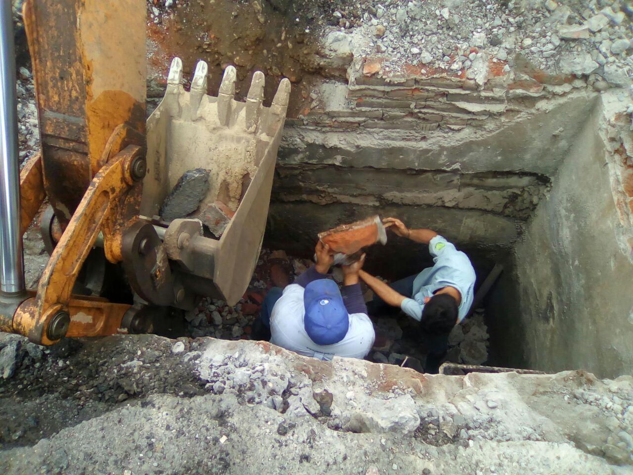 JAPAC-NOTICIAS-personal-de-japac-labora-en-la-reparacion-de-valvula-para-restablecer-el-servicio-de-agua-01