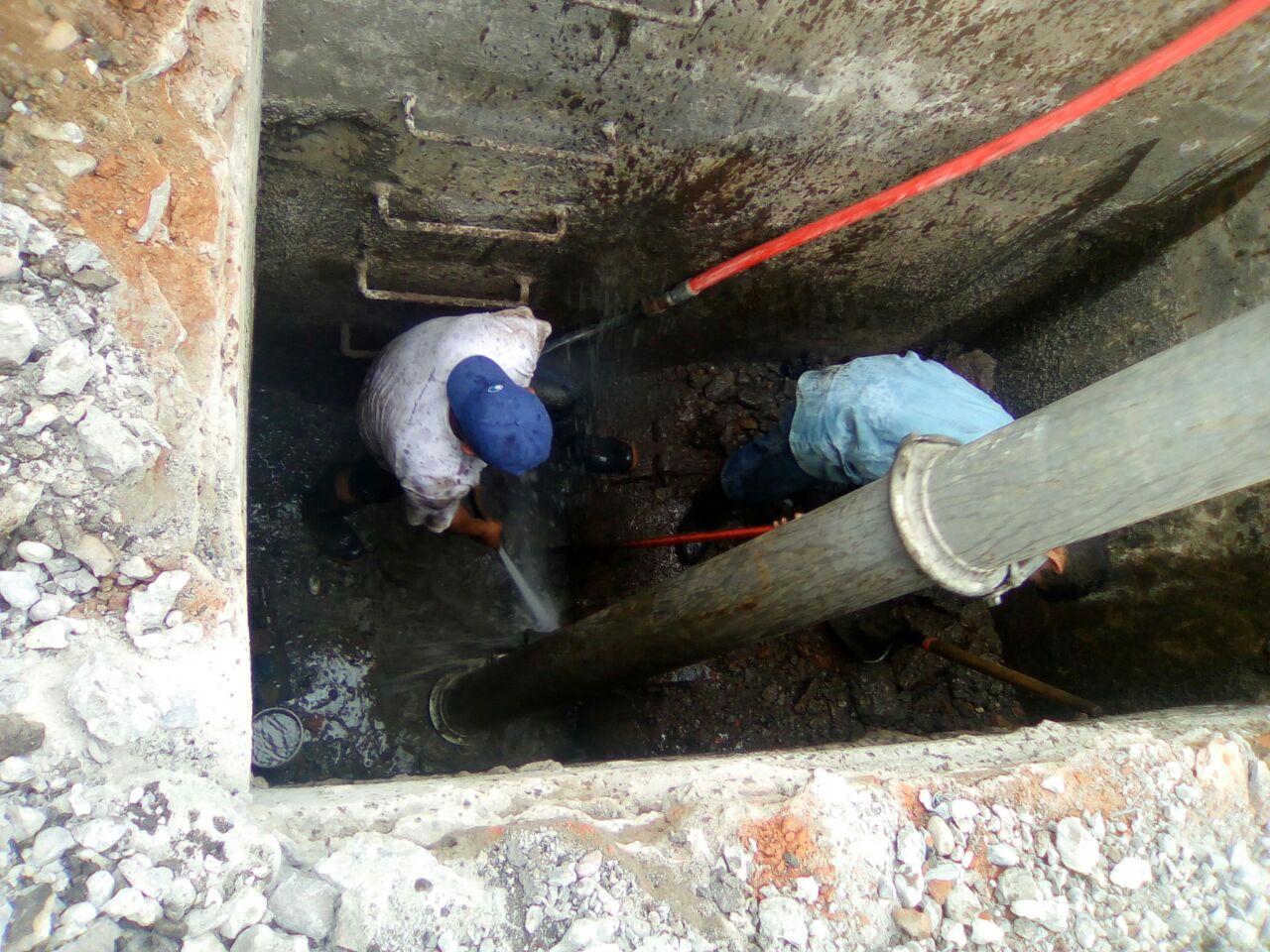 JAPAC-NOTICIAS-personal-de-japac-labora-en-la-reparacion-de-valvula-para-restablecer-el-servicio-de-agua-03