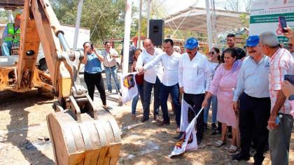 amplia-alcalde-cobertura-del-sistema-de-agua-potable-02