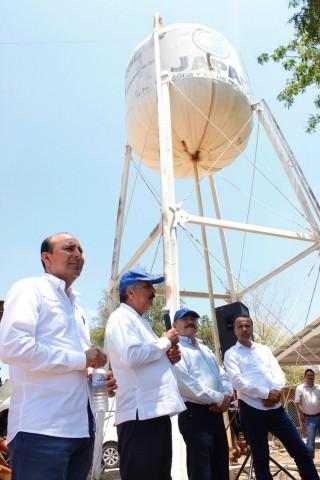 amplia-alcalde-cobertura-del-sistema-de-agua-potable-04