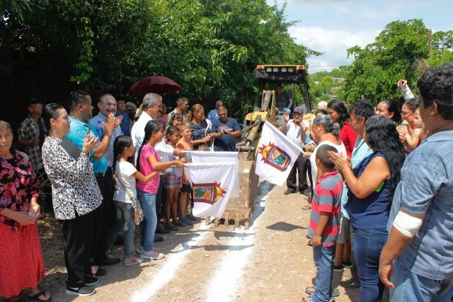 inicia-alcalde-construccion-de-la-red-de-agua-potable-en-lomas-de-san-geronimo-01