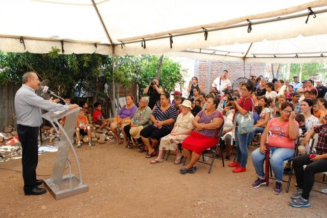 inicia-alcalde-construccion-de-la-red-de-agua-potable-en-lomas-de-san-geronimo-02