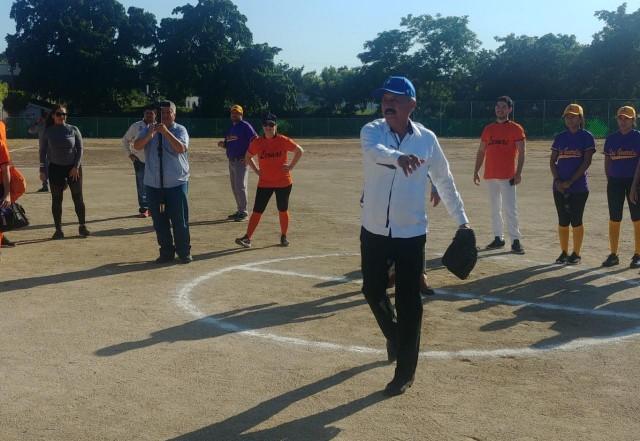 inauguran-campo-de-softbol-con-la-celebracion-de-torneo-en-la-unidad-deportiva-japac-10